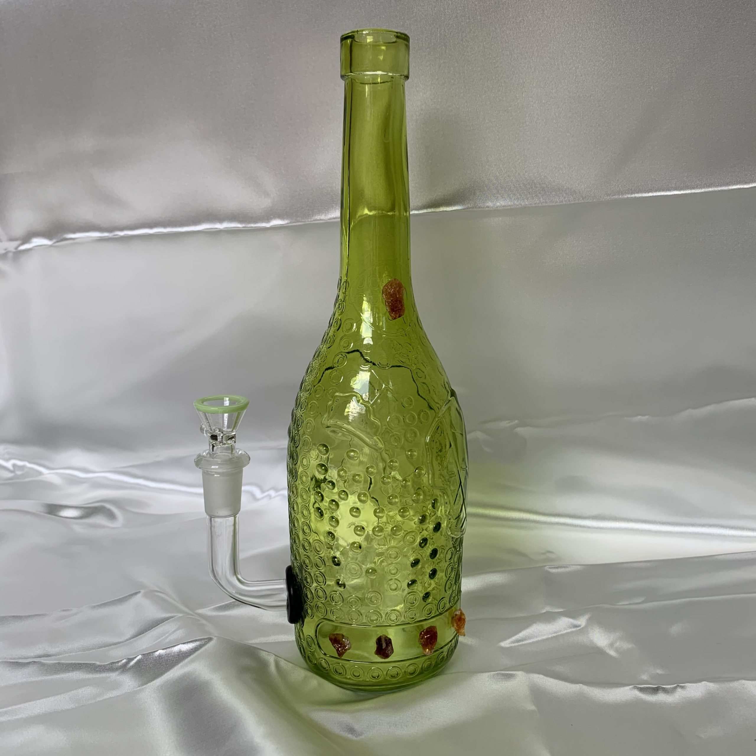 Green bong with citrine